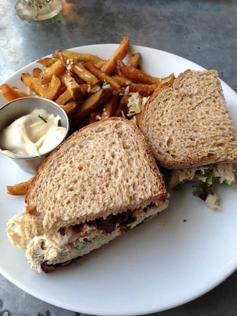 Silverspoon Cafe & Catering: Chicken salad sandwich