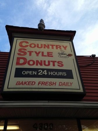 Country Style Donuts: 24 hour donuts, oh yeah