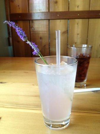 Old Mill Cafe: Lavender Spritzer (no vodka)