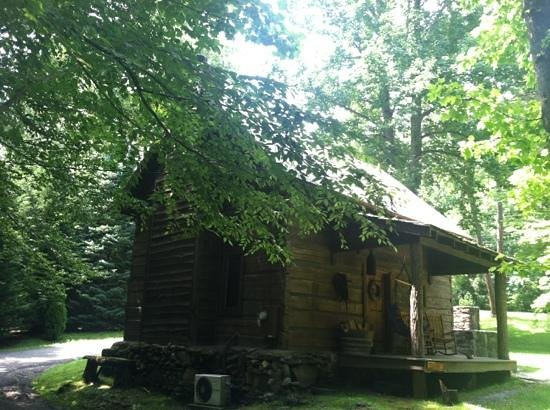 Lake Eden Events & Lodging: lake Eden cabin