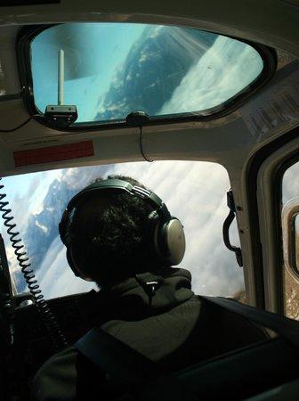Heli Tours Queenstown: Paul flying