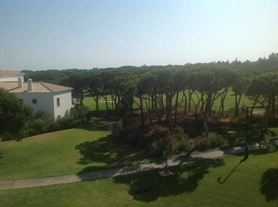 Pine Cliffs Residence : view from balcony