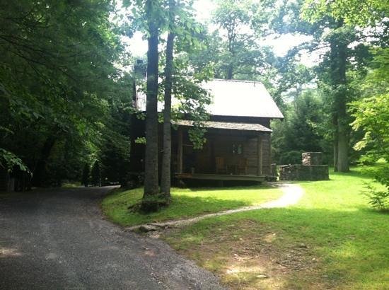 Lake Eden Events & Lodging: lake Eden cabin from the road