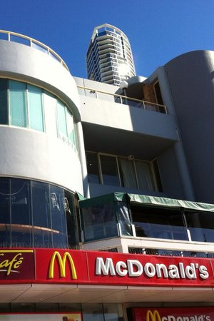 O'Malley's Surfers Paradise: from the cavil avenue to the terrace