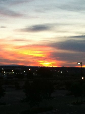 Hilton Garden Inn St. George: Sunrise in Utah  July 2013