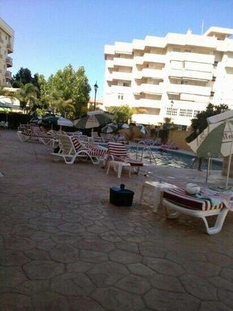 Aparthotel Veramar Malaga: pool area very nice