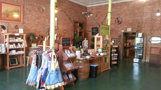 Bisbee Olive Oil : store
