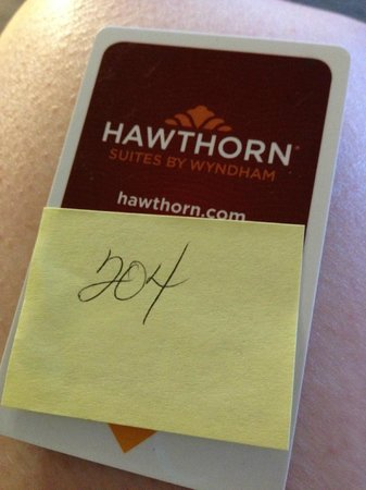 Hawthorn Suites by Wyndham Denver Tech Center : Not very professional