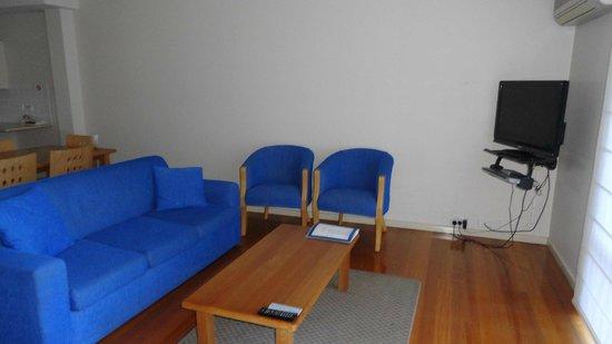 Metung Waters: Living area