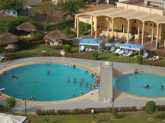 Ledger Plaza N'Djamena: Pool area