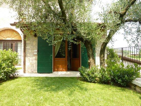 Agriturismo Antico Casale Bergamini: Room entrance
