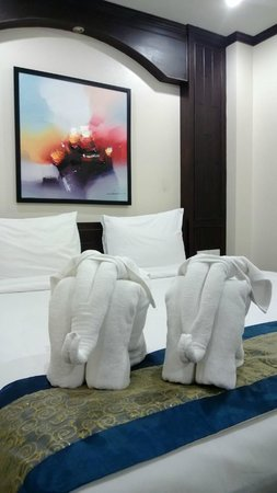 White Patong: Room in building 1 (king sized bed)