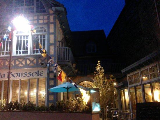 La Boussole : The restaurant in the evening