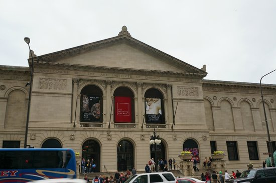 The Art Institute Of Chicago Which Houses The Fullerton Hall Picture Of The