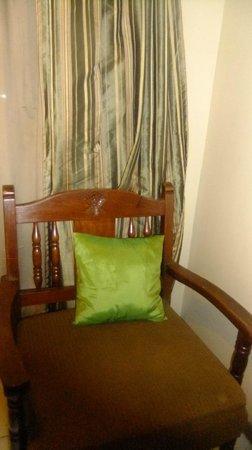 Cebu R Hotel - Capitol: bed