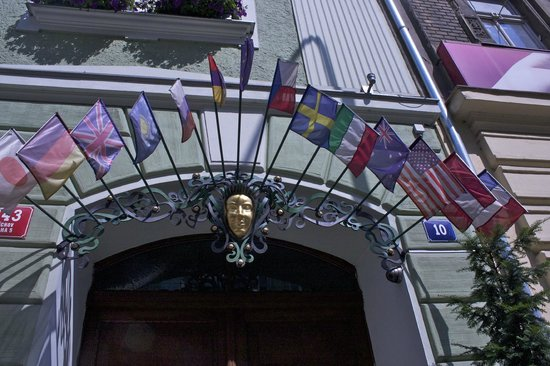 Hotel General: Flags from round the world of tourists here