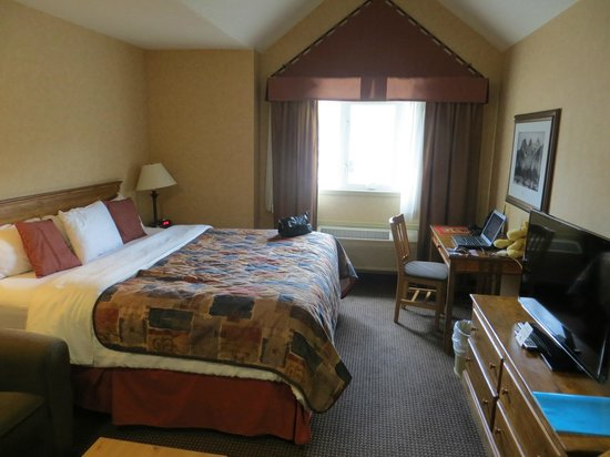 Ramada Canmore: Bedroom