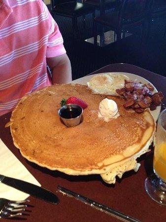 M Resort Spa Casino: pancake from Hash restaurant
