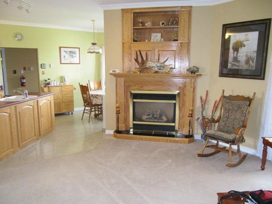 Seabreeze Bed & Breakfast: Common area