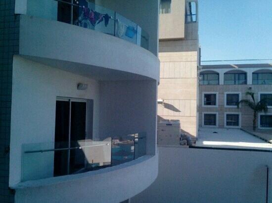 Astral Nirvana Suites: балконы отеля