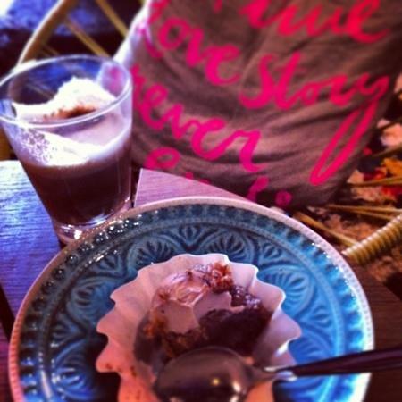 Johan & Nystrom Oy: Great raw food cakes!