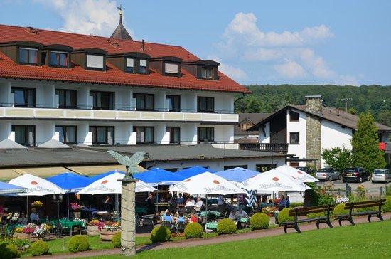 Best Western Hotel Brunnenhof : Het hotel aan de achterzijde