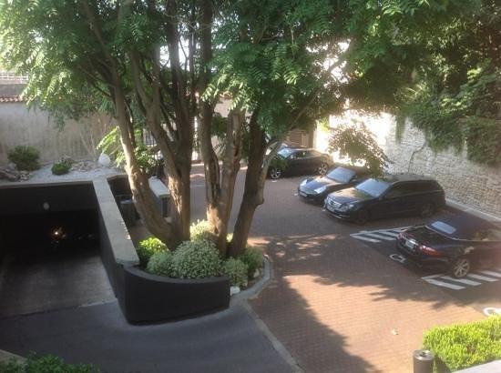 La Monnaie Art & Spa Hotel : vue de la chambre