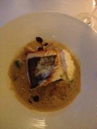 Restaurant Les Bories : St Pierre grillé, jus façon bouillabaisse