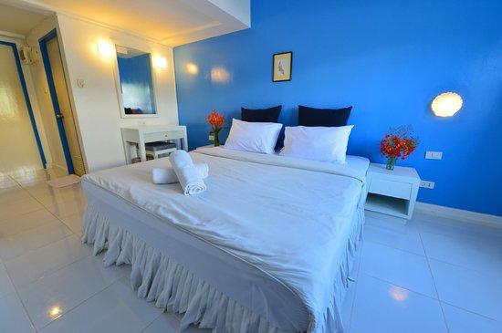 PP Charlie Beach Resort: Economy Room