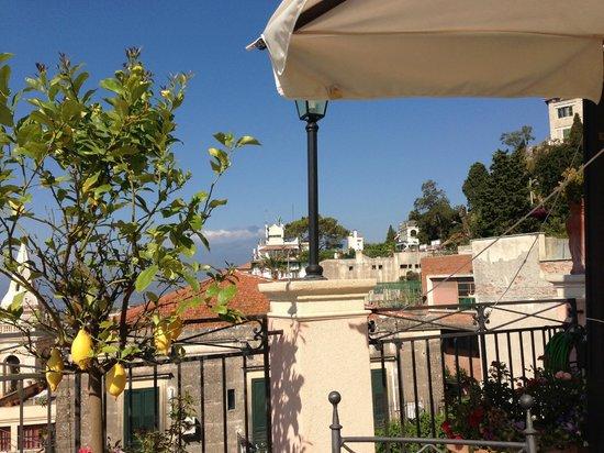Casa Turchetti: Terrasse mit Aussicht auf den Mt Etna