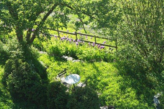 La Ferme De Soulan: vue du jardin