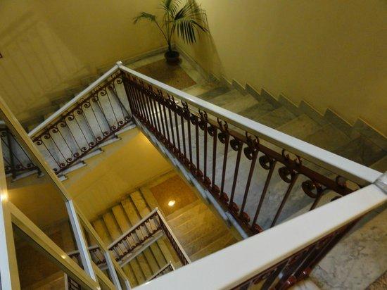 Hotel Gioberti: 階段