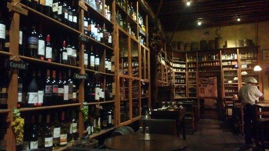 Almacen Troccoli: Wine