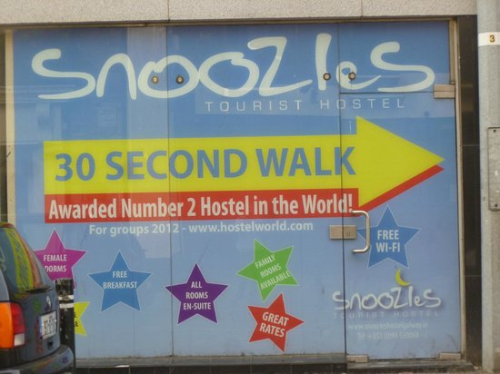 Snoozles Hostel: Advert near Snoozles