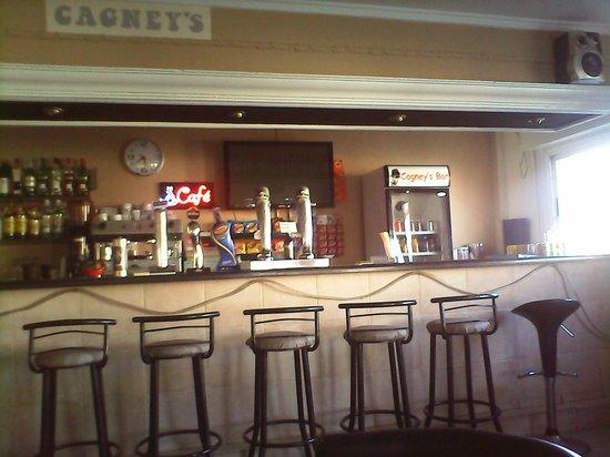 Cagneys La Marina: bar