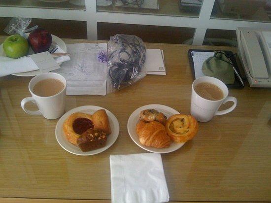 جاردن كورت هوتل: Kleines Frühstück
