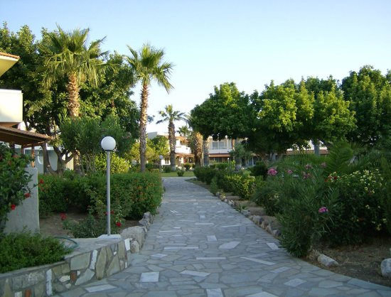 Hotel Atlantis: Hotel garden