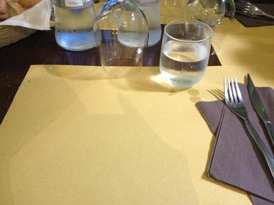 Dausin : tavolo