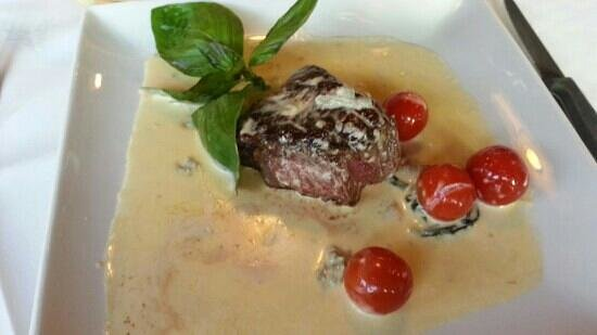Bistro Italiano: fillet with dolcelatte sauce