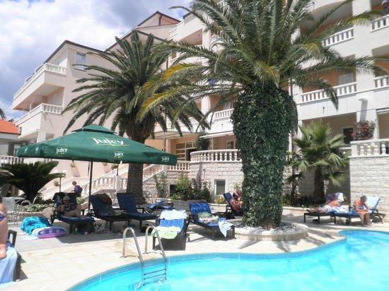 Hotel Laurentum : Pool terrace
