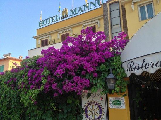 Mannu Hotel : Façade de l'hôtel.