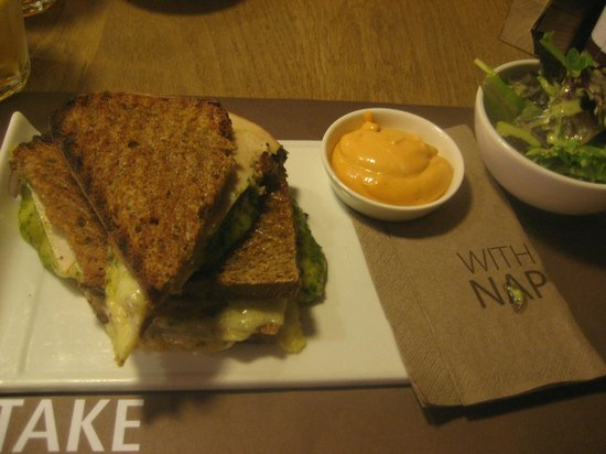 Vlaamsch Broodhuys: toasted sandwich with chicken breast , pesto and mozzarella = 7.25 euro