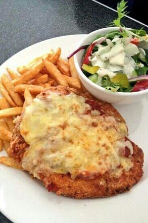 College Lawn Hotel: Great parma at the lawn!