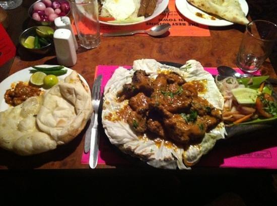 Peter Cat: mixed tandoor sizzler and naan