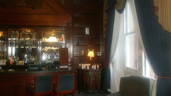 Mercure Exeter Rougemont Hotel: ΜΠΑΡ  - ΣΑΛΟΝΙ