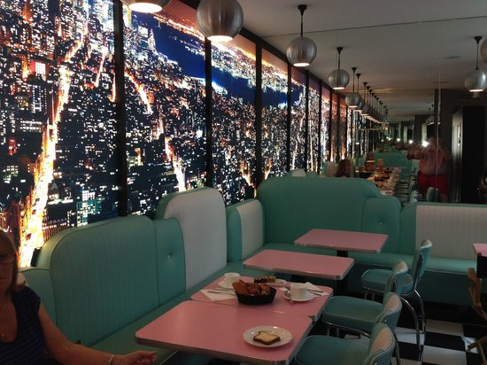 Platine Hotel: Breakfast room