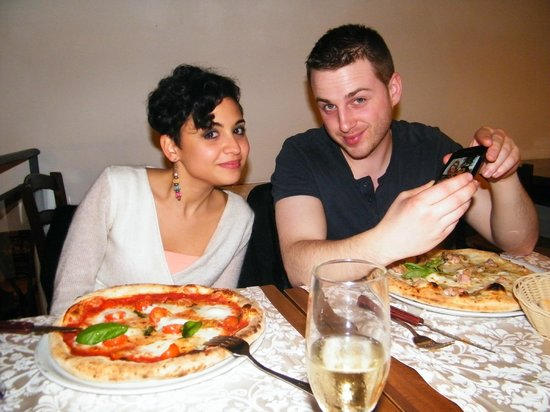 Ristorante Pizzeria i Fratelli: Enjoying