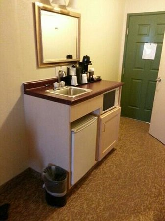 Country Inn & Suites By Carlson, Rochester-Henrietta: the sink