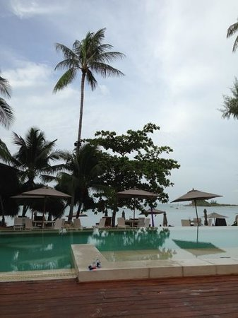 SALA Samui Resort And Spa: at the swimmingpool