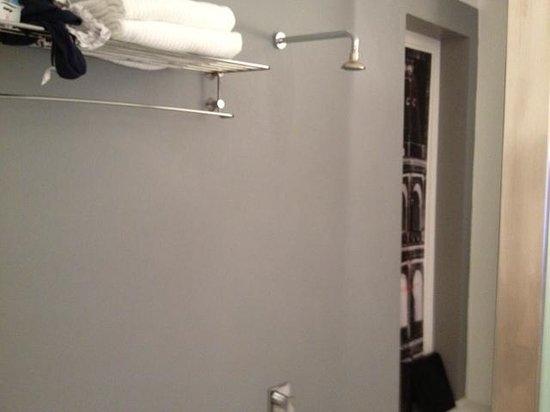 Piazza di Spagna Suites: banheiro